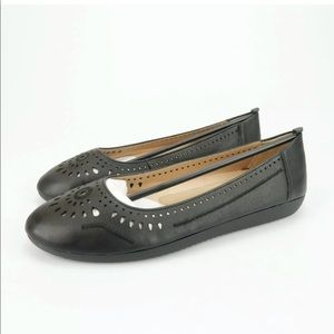 Naturalizer Kana Black Leather Embroidered Flats